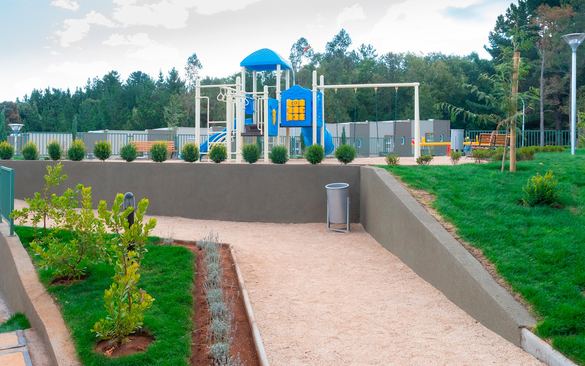 parque infantil plaza parque los poetas